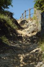 a panoráma kilátóhoz vezető meredek ösvény
