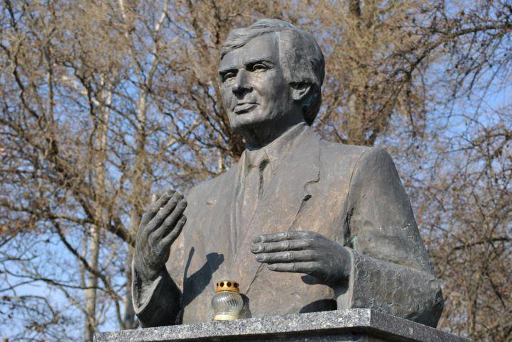 Dr. Antall József szobor
