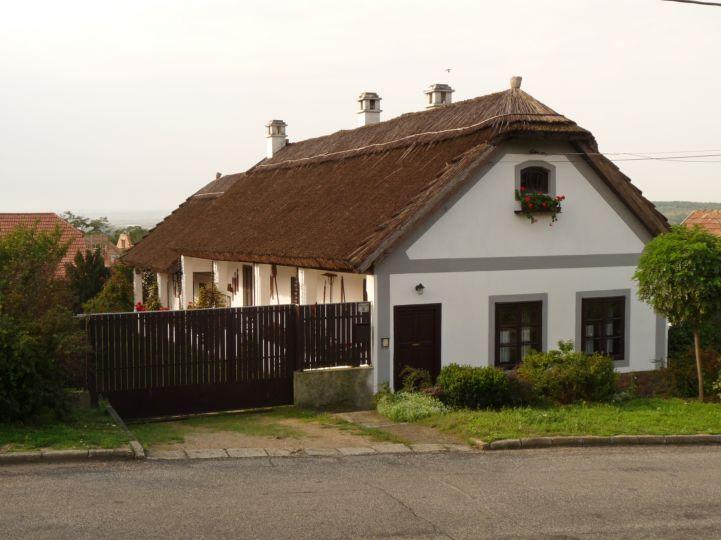 nádfedeles ház a Kossuth utcán