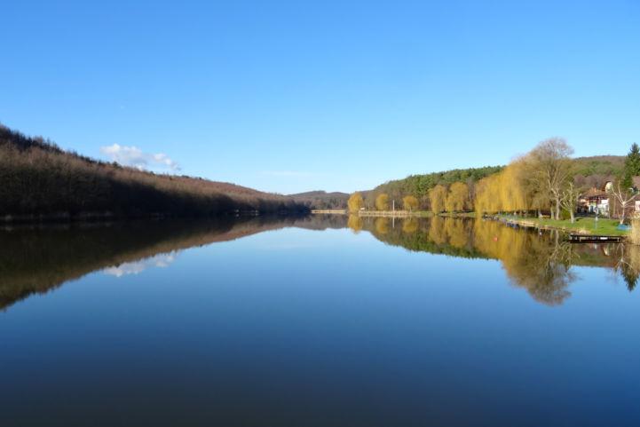 kilátás a Kistolmácsi-víztározó déli vége felől