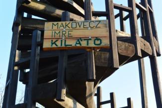tervezőjéről, Makovecz Imréről kapta a nevét a kis-hárs-hegyi kilátó