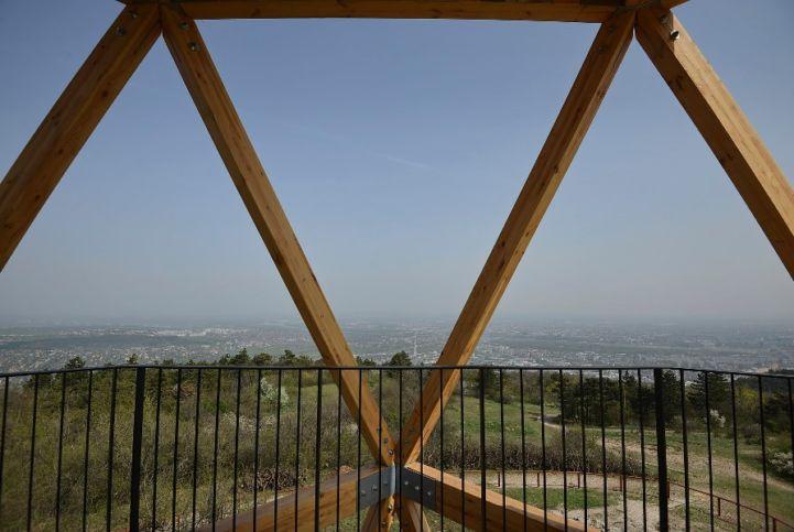 panoráma a Hármashatár-hegyi kilátópontról