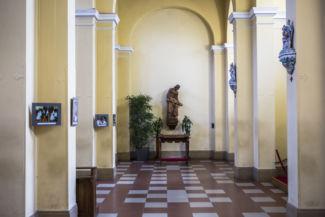 szobor a Szent Imre-templomban