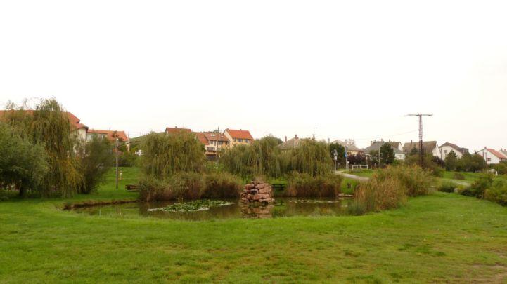 kis tó