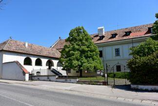 Erzsébet hotel, volt jezsuita renház