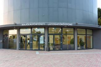 a Hajózástörténeti Látogatóközpont bejárata