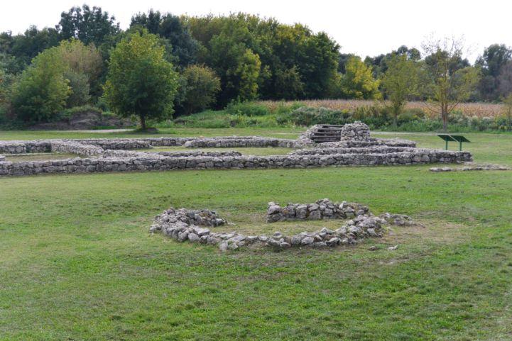 Hadrianus mártír templom romjai a Zalavár Történelmi Emlékparkban