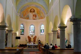 Szent István plébániatemplom belseje