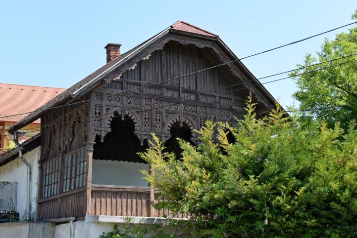 tipikus régi almádi ház