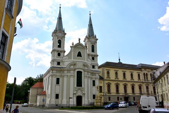 a vízivárosi Loyolai Szent Ignác-templom
