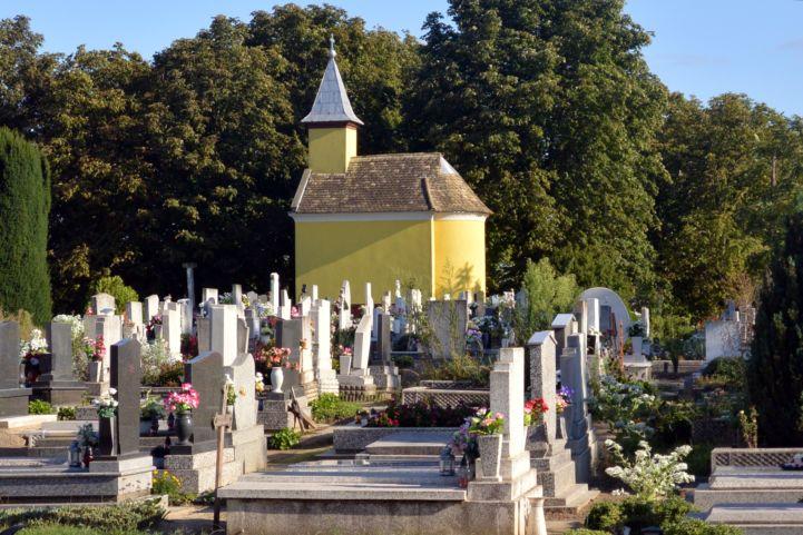 temetői kápolna
