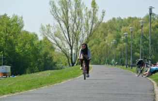 bike path at Békásmegyer