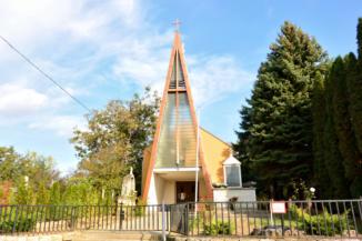 Urunk színeváltozása-templom Holládon