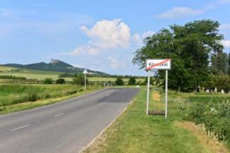 látkép Köveskál határában, háttérben a Hegyestűvel