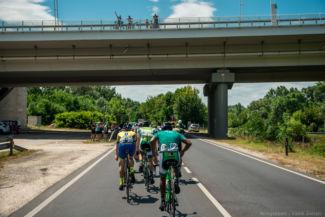 Tour de Hongrie a Megyeri hídnál