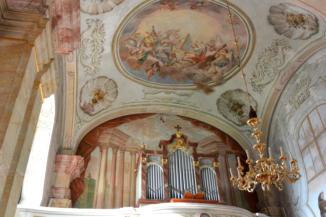 orgona a Szent Kereszt felmagasztalása templom karzatán