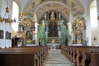 a Szent György-templom belseje