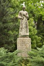Laczkó Dezső-szobor