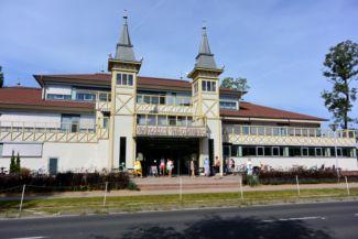 a Hévízi-tó Festetics Fürdőháza