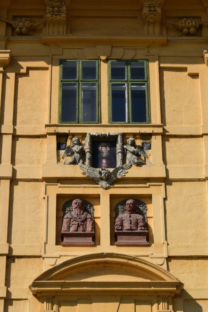 Esterházy-kastély - épület díszítés