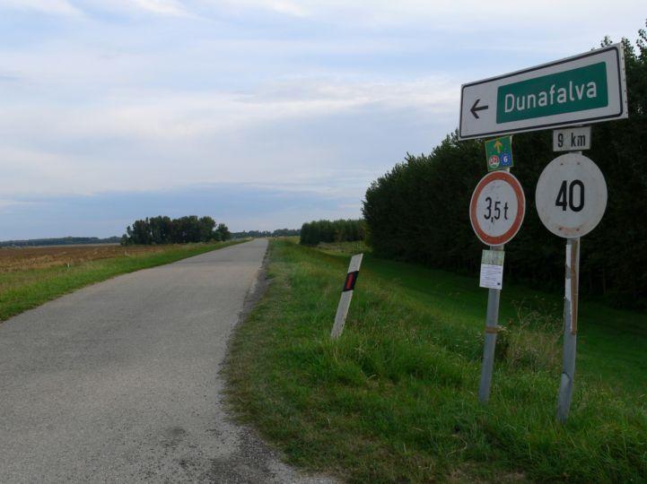 Dunafalva tábla Szeremle felé