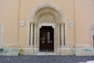 a Szent Mihály székesegyház bejárata