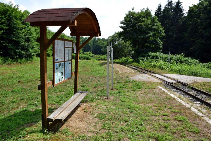 Bázakerettye felső erdei vasút állomás