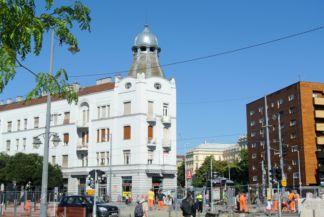 kupolás lakóház a Móricz Zsigmond körtér mellett