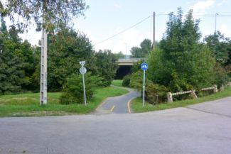összekötő út a Jégcsap utca és a Dobogó út között