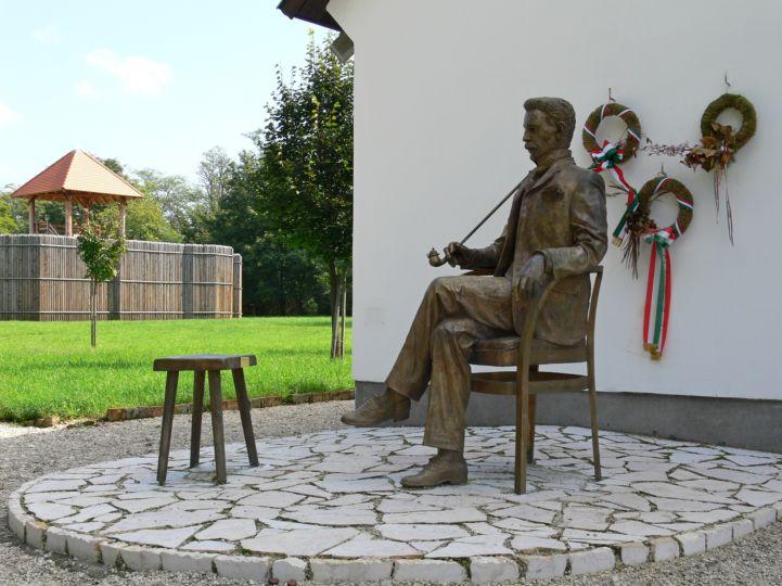 Gárdonyi Géza szobor