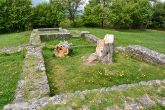 a pilisszentléleki pálos kolostor romjai