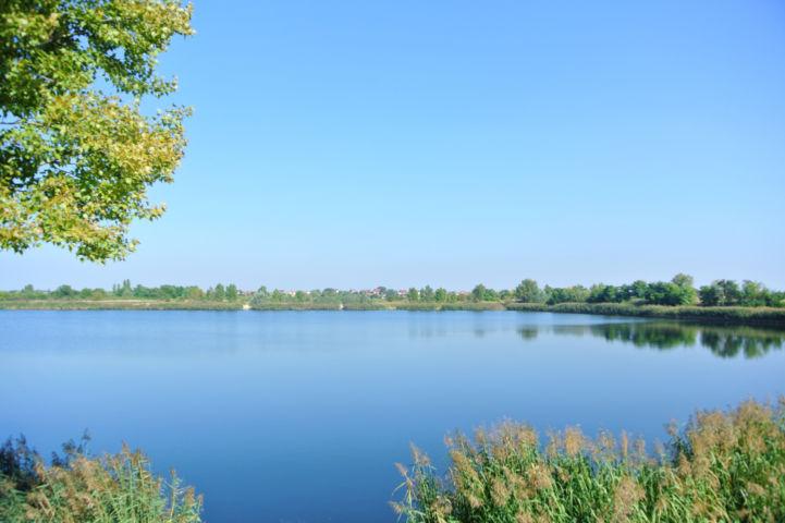a Kavicsos-tóval szomszédos egyik bányató