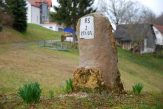 Mária Terézia-kő a szlovén-osztrák határon