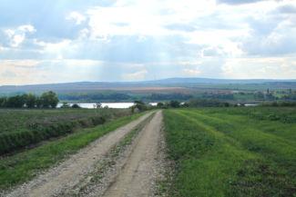 útszakasz, rálátással a Kajászói-tóra