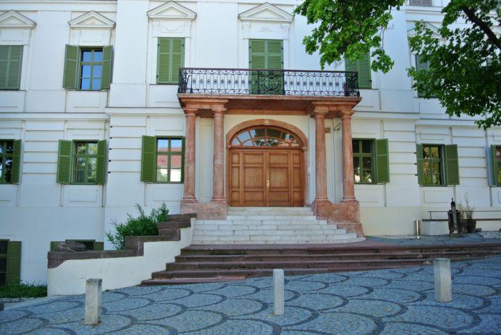 Horváth-ház - 1825-ben itt rendezték az első Anna-bált